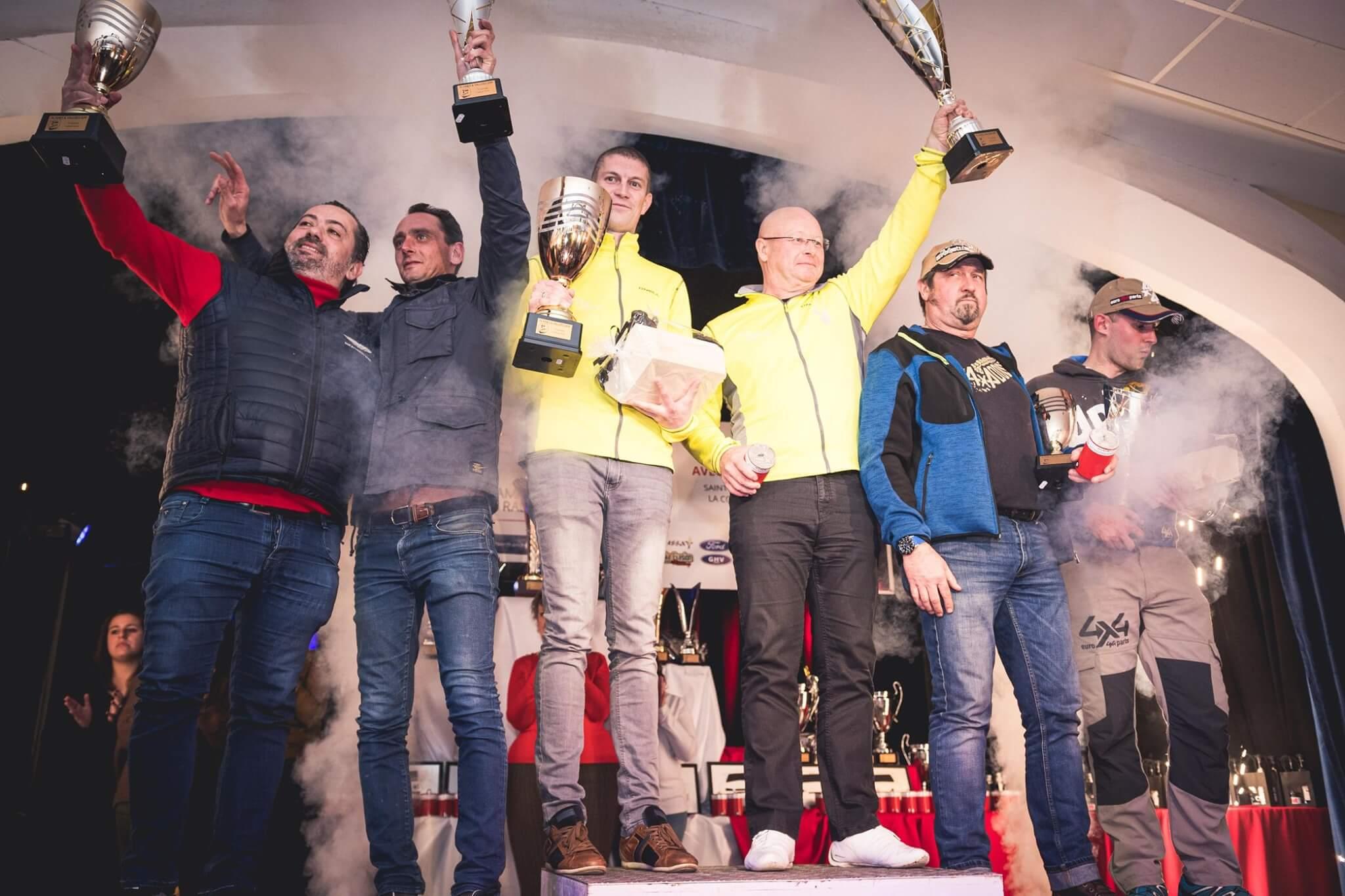 podium remise des prix vainqueurs concurrents 2019 rallye TT plaines et vallées normandie asaca championnat de france tout-terrain